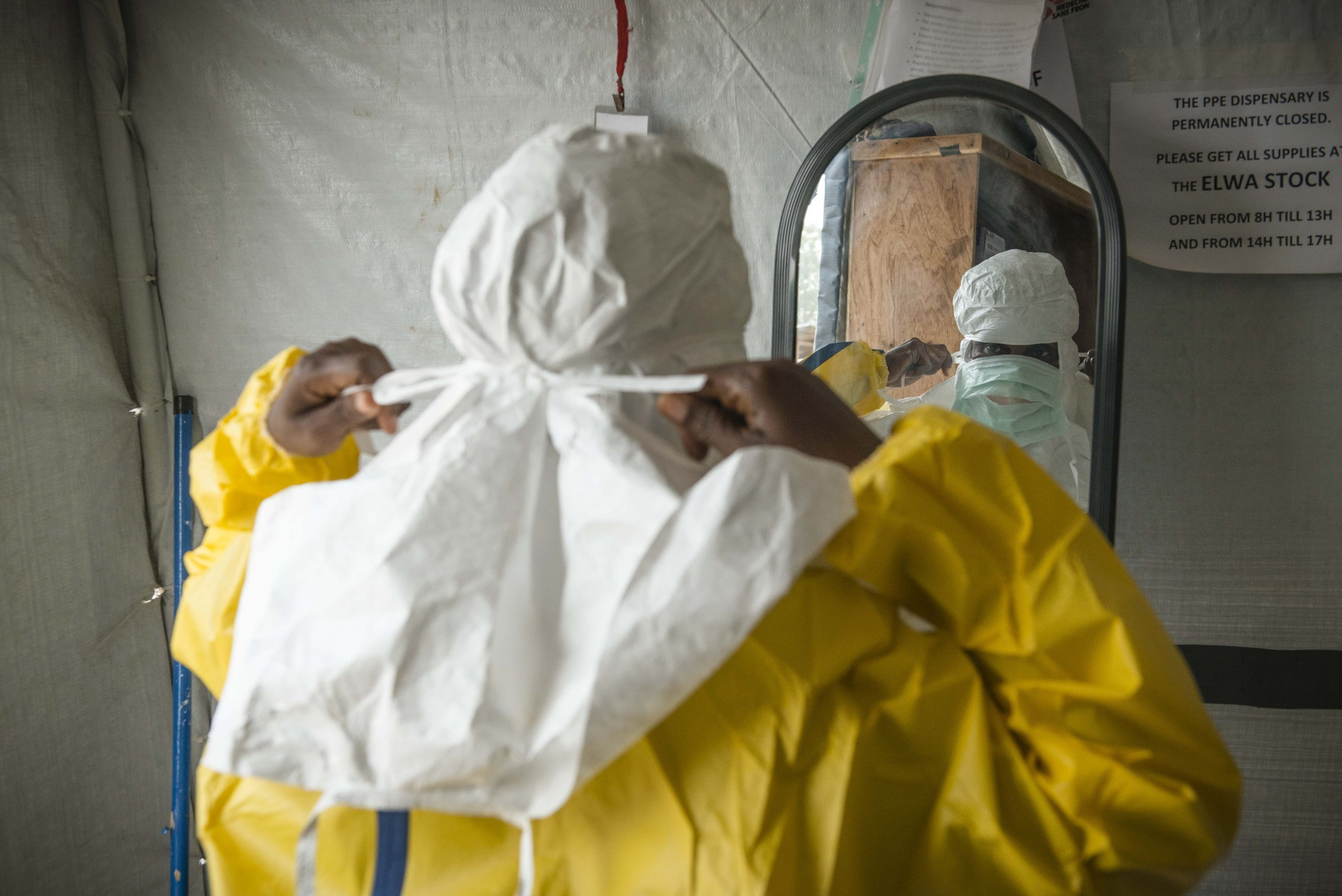 MSF staff member in personal protective equipment, Liberia. Image credit: Yann Libessart/MSF